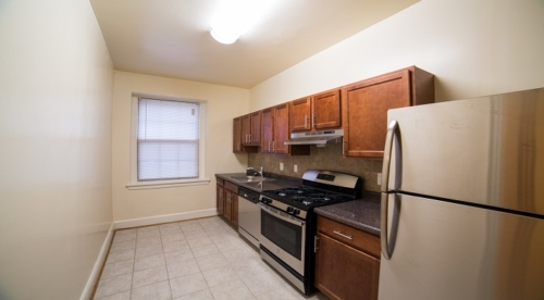 DC Rentals Kitchen