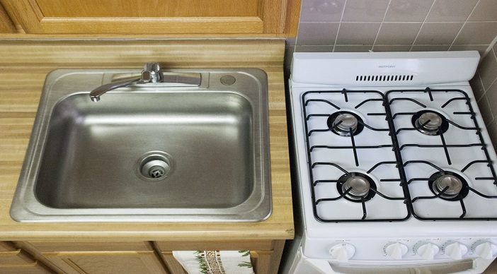 Jetu Apartments: Washington DC: Sink: Stove