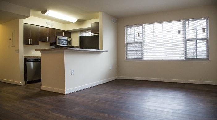 Fairway Park: Washington DC Apartments: Living Room: Kitchen