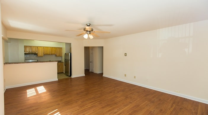 Meridian park apartments wc smith for 2 bedroom apartments for rent in dc