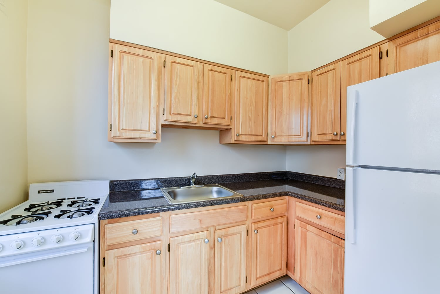 1401-Sheridan-Kitchen-Appliances-Washington-DC-Apartment ...