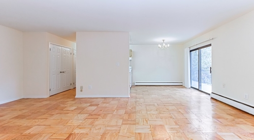 fort-totten-apartments-ne-dc-living-space