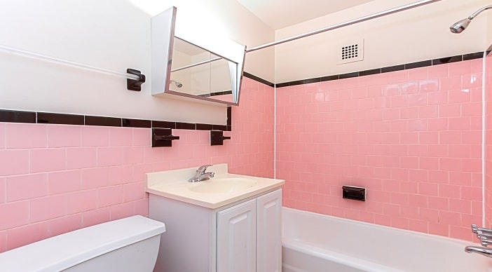 fort-totten-apartments-ne-dc-rental-bathroom