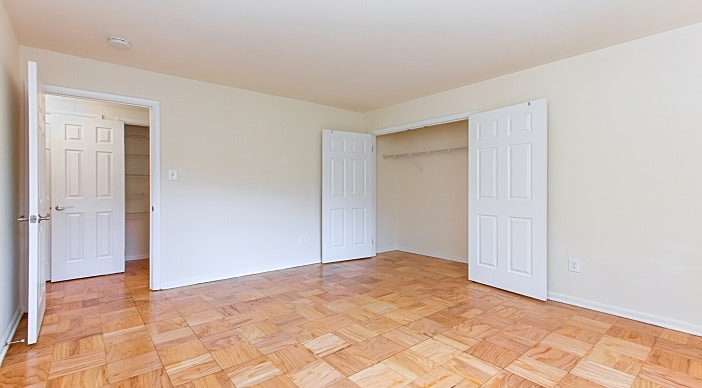 fort-totten-apartments-ne-dc-rental-bedroom-closet