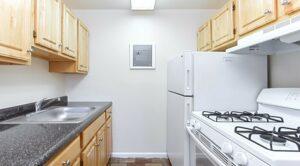 fort-totten-apartments-ne-dc-rental-kitchen