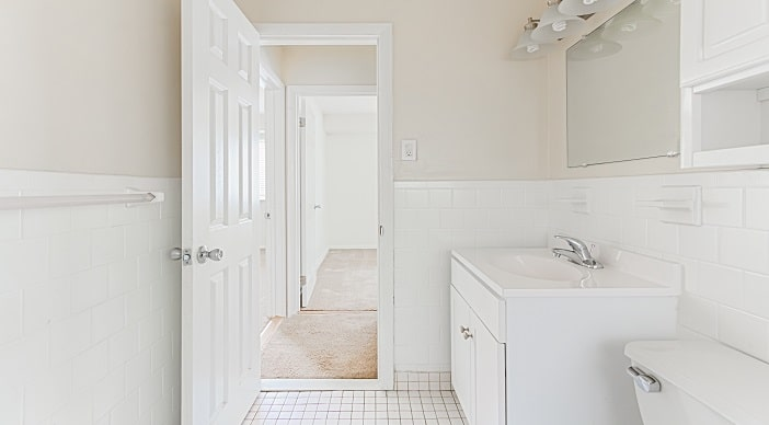 Halley House Southeast Washington DC Apartments Rentals Bathroom
