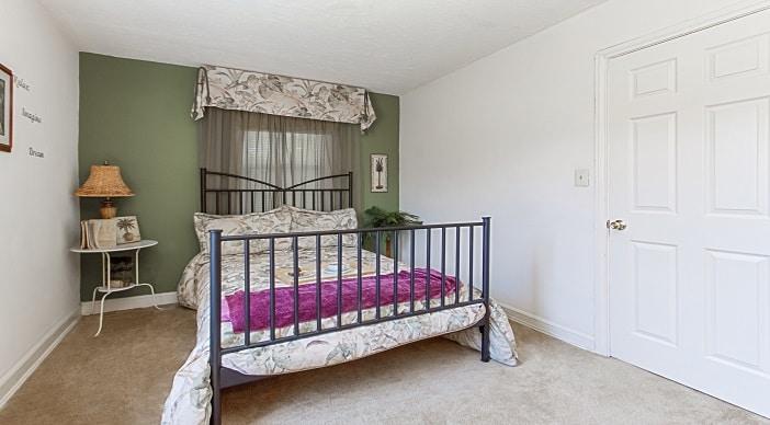 jetu-ne-dc-apartments-smaller-bedroom