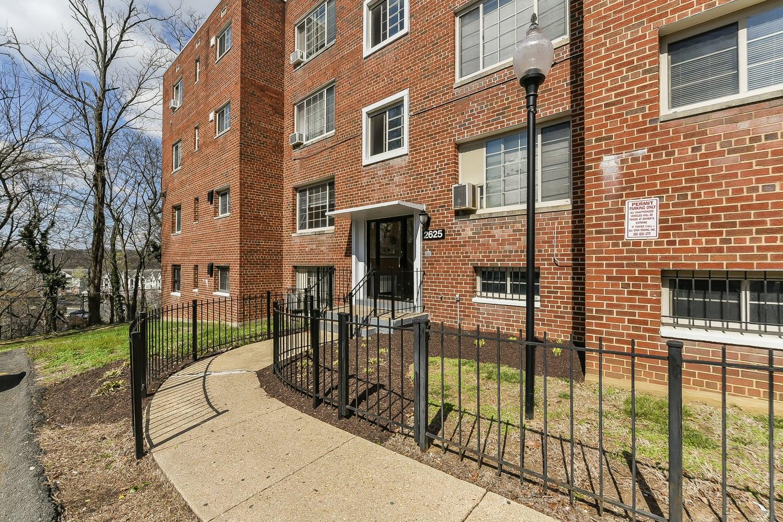 New-Horizon-Exterior-Shot-Windows-Washington-DC-Apartment ...