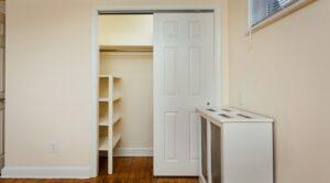pleasant-hills-dc-apartments-closet