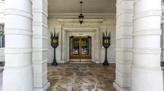 the-norwood-admo-dc-kalorama-apartments-buildidng-entry-lamps
