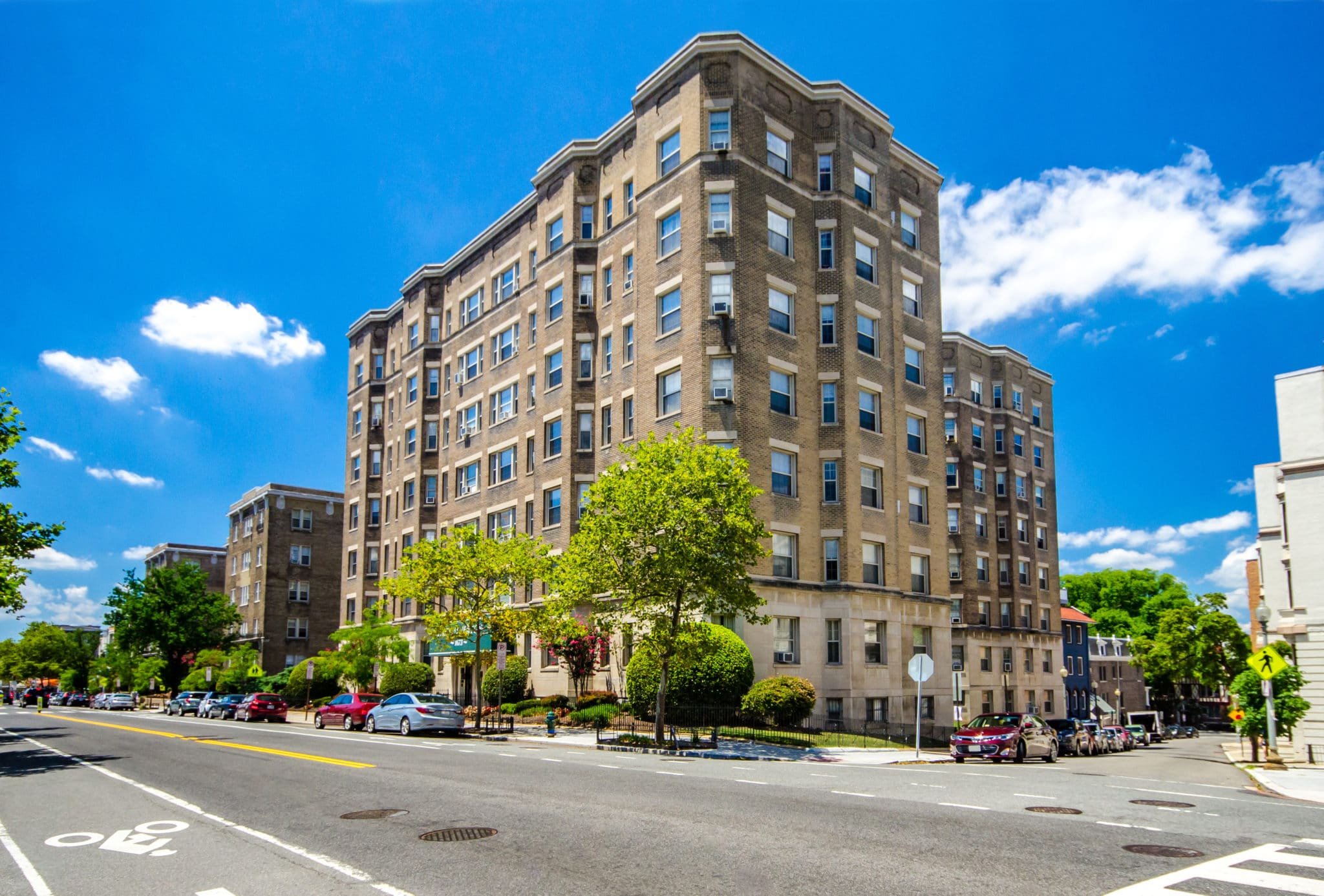 Search 78 Apartment Buildings in DC