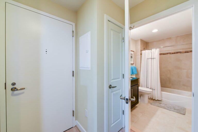 2M-street-apartments-model-apartment-bathroom