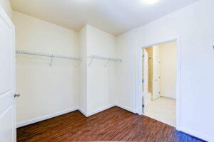 Archer-Park-Apartments-Washington-DC-SE-Closet-Bathroom (2)