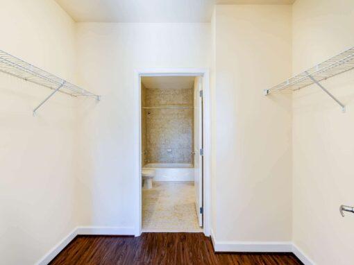 Archer-Park-Apartments-Washington-DC-SE-Closet-Bathroom