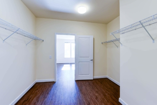 Archer-Park-Apartments-Washington-DC-SE-Closet-Bathroom