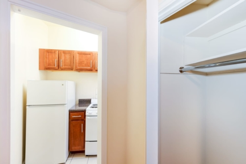 Baysate-Bathroom-DC-Apartment-Rental