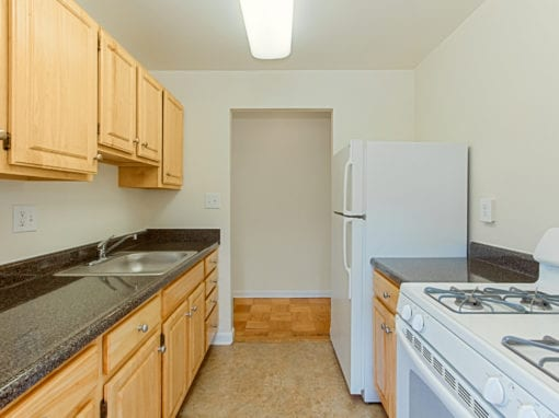 Chillum Place-NE-DC-Apartments-Kitchen (2)