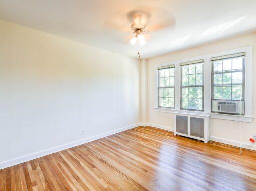 Frontenac-Bathroom-Hallway-Washington-DC-Apartment-Rental