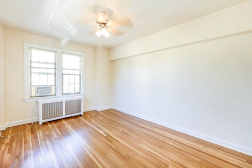 Frontenac-Bedroom-Windows-AirConditioner-Washington-DC-Apartment-Rental