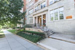 Frontenac-Entrance-Washington-DC-Apartment-rental