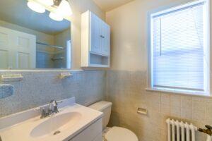 Hillside-Terrace-Bathroom-Washington-DC-Apartment-Rental