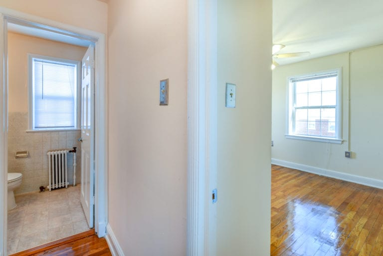 Hillside-Terrace-Hallway-Bathroom-Bedroom-Doors-Washington-DC-Apartment-Rental