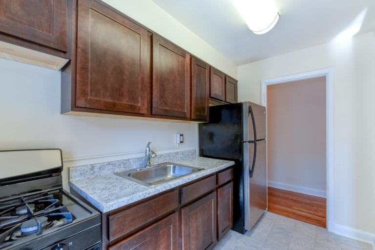 Hillside-Terrace-Renovated-Washington-DC-Apartment-Rental