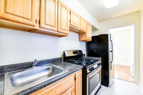 Richman-Apartments-Affordable-SE-DC-Kitchen
