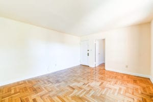 Richman-Apartments-Affordable-SE-DC-Livingroom-Area