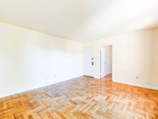 Richman-Apartments-Affordable-SE-DC-Livingroom-Area