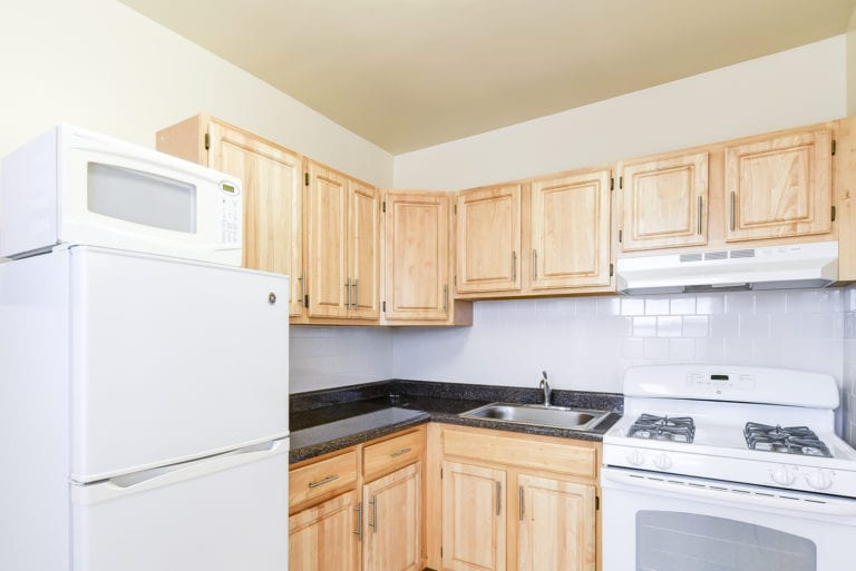Wakefield-Hall-Kitchen-Appliances-Washington-DC-Apartment-Rental