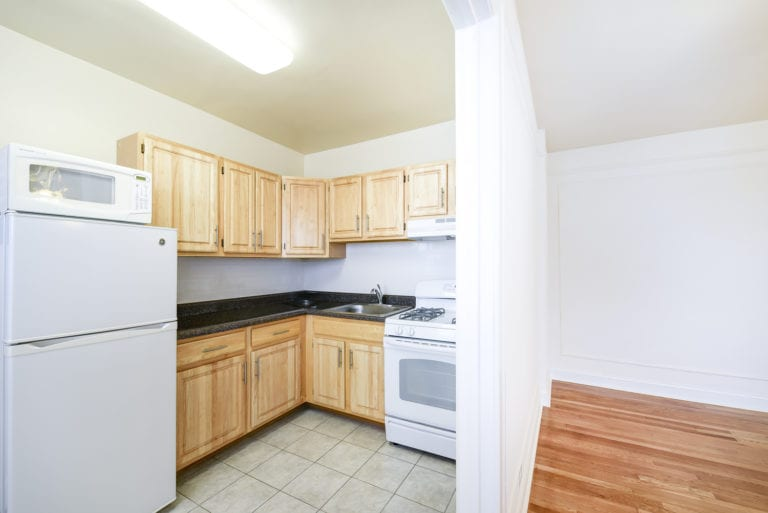 Wakefield-Hall-Kitchen-Washington-DC-Apartment-Rentals