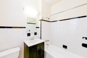 chatham-courts-apartments-washington-DC-bathroom
