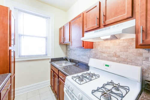 chatham-courts-apartments-washington-DC-kitchen-2