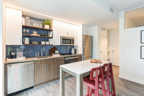 garrett-at-the-collective-one-bedroom-kitchen